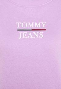 Tommy Jeans - LOGO CREW - Sweatshirt - fresh orchid - 6