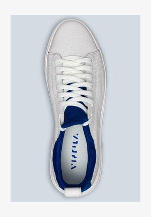 SNEAKERSY - Sneakersy niskie - white