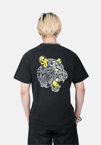 SEXFORSAINTS - OG SEXFORSAINTS - Print T-shirt - black - 2