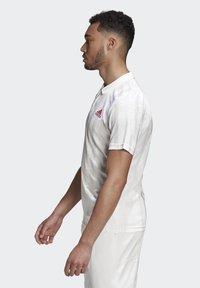 adidas Performance - Piké - white / scarlet - 4