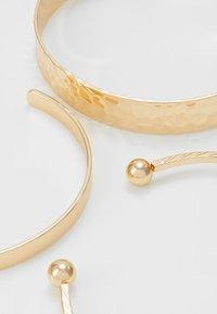 Pieces - PCMADELINO BRACELETS 3 PACK - Bracelet - gold-coloured - 2