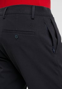 DOCKERS - SMART FLEX TAPERED - Trousers - navy - 5