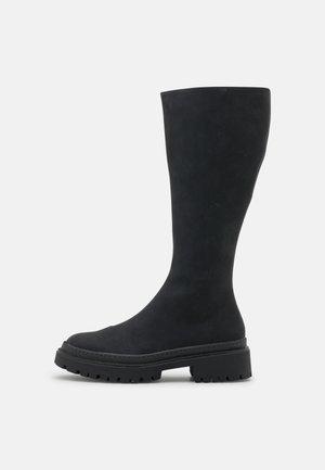 VMSALLY BOOT - Platform boots - black