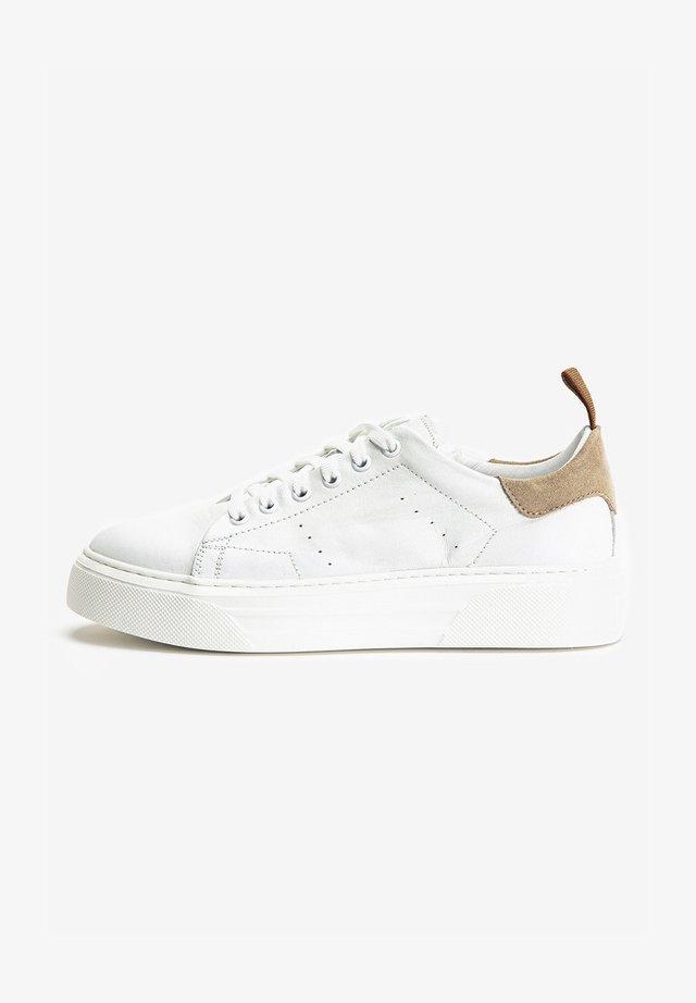 Sneakersy niskie - white-beige wbg