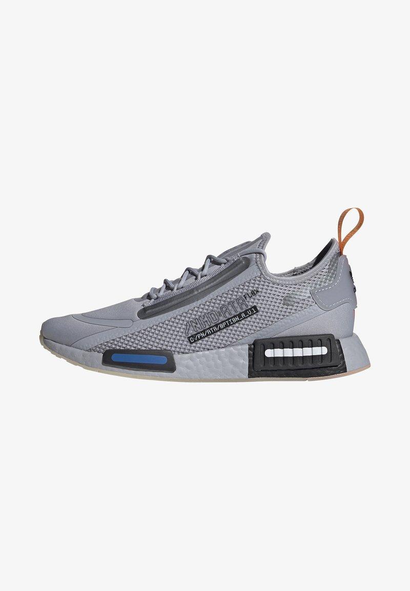 adidas Originals - NMD_R1 SPECTOO UNISEX - Sneakersy niskie - halo silver/core black