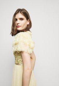 Needle & Thread - SHIRLEY RIBBON BODICE  DRESS - Suknia balowa - lemon curd - 5