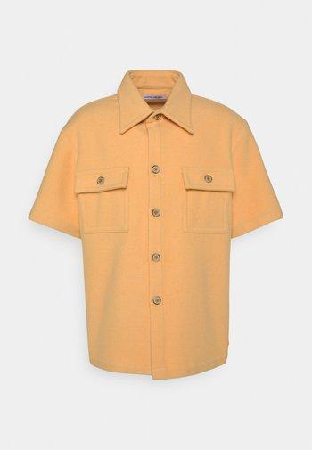 WILLY SHIRT - Košile - apricot