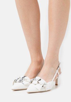 ENNY - Classic heels - milk/silver