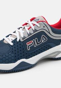 Fila - Tenisové boty na všechny povrchy - peacoat blue - 5