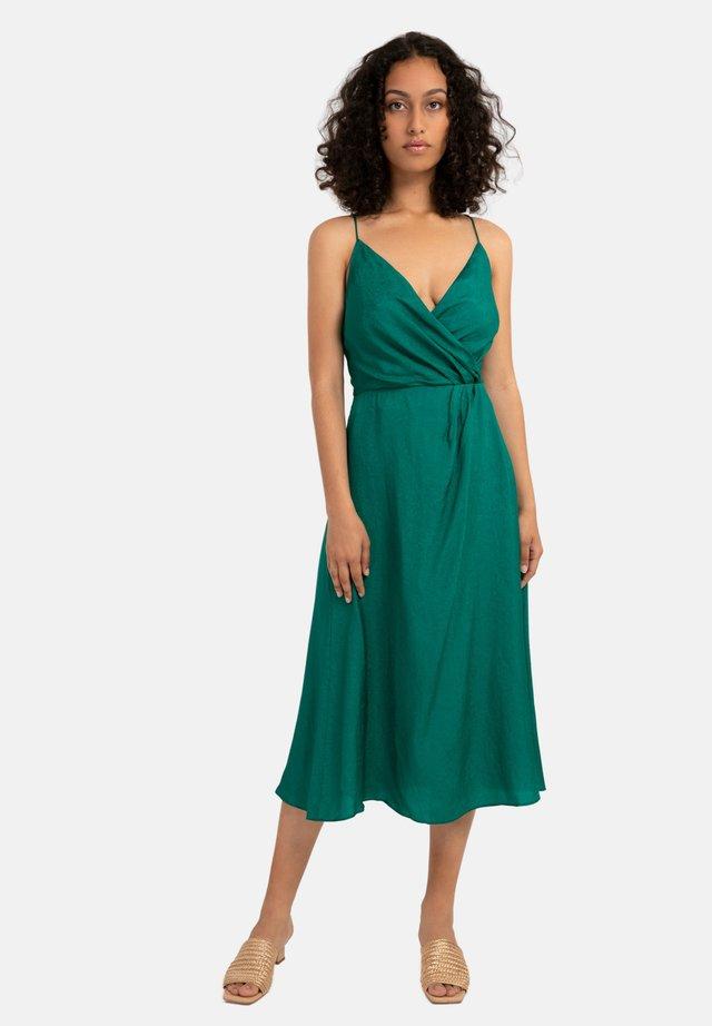 AJANIA - Korte jurk - green