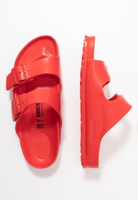 Birkenstock - ARIZONA - Sandály do bazénu - active red - 3