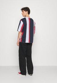 YOURTURN - UNISEX - Print T-shirt - blue/red/white - 2
