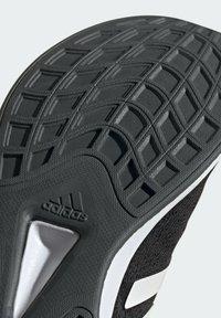 adidas Performance - QT RACER SPORT LGHTMOTON PRIMEBLUE RUNNING REGULAR SHOES - Treningssko - black - 10