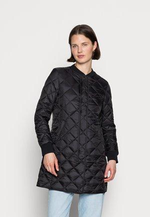 COAT QUILTED THERMORE PADDING REGULAR FIT WELT POCKETS - Krátký kabát - black