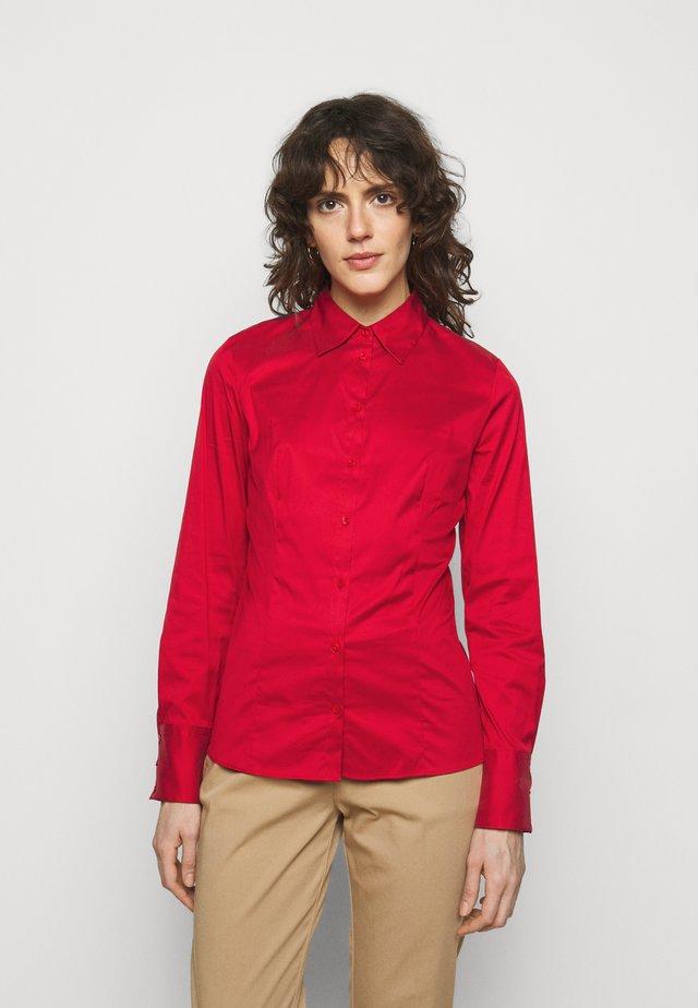 THE FITTED  - Hemdbluse - medium red