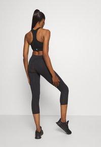 Champion - LEGGINGS LEGACY - 3/4 sportovní kalhoty - black - 2