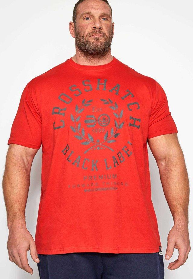 CROSSHATCH - Print T-shirt - red