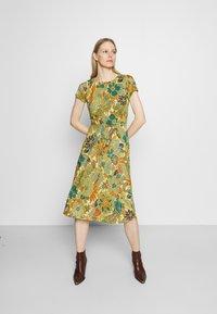 King Louie - BETTY PARTY DRESS SAN FELIPE - Jersey dress - ceylon yellow - 0