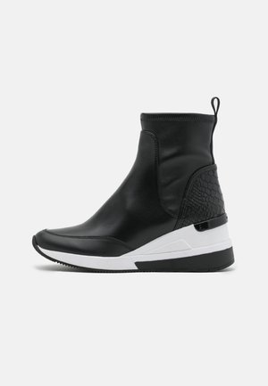 KINSEY - High-top trainers - black