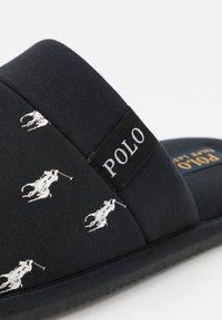 Polo Ralph Lauren - KOLLIN - Pantuflas - black/white - 5