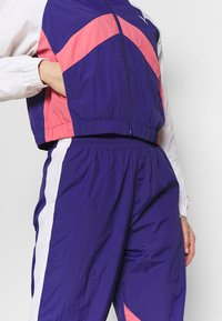 Puma - STUDIO CLASH ACTIVE TRACK JACKET - Treningsjakke - purple - 4