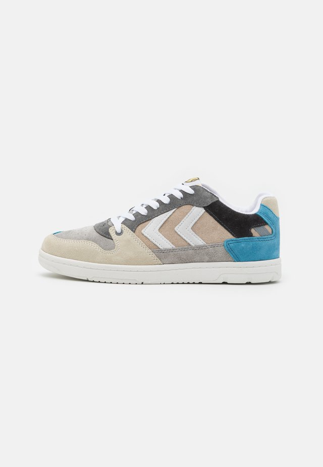 POWER PLAY UNISEX - Matalavartiset tennarit - grey/beige/blue