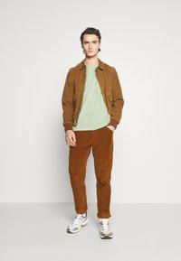 YOURTURN - UNISEX - Print T-shirt - green - 1