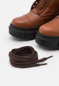 Mis Pepas - ZIPPER - Platform ankle boots - atenea tobaco - 5