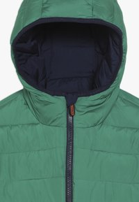 Superdry - REVERSIBLE FUJI - Chaqueta de invierno - downhill navy/fresh green