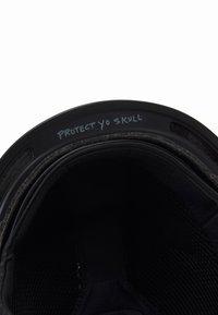 Oakley - MOD - Helma - stale sandbech polished black - 5
