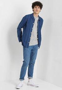 Levi's® - ORIGINAL - T-shirt basic - tri-blend/gray violet - 1