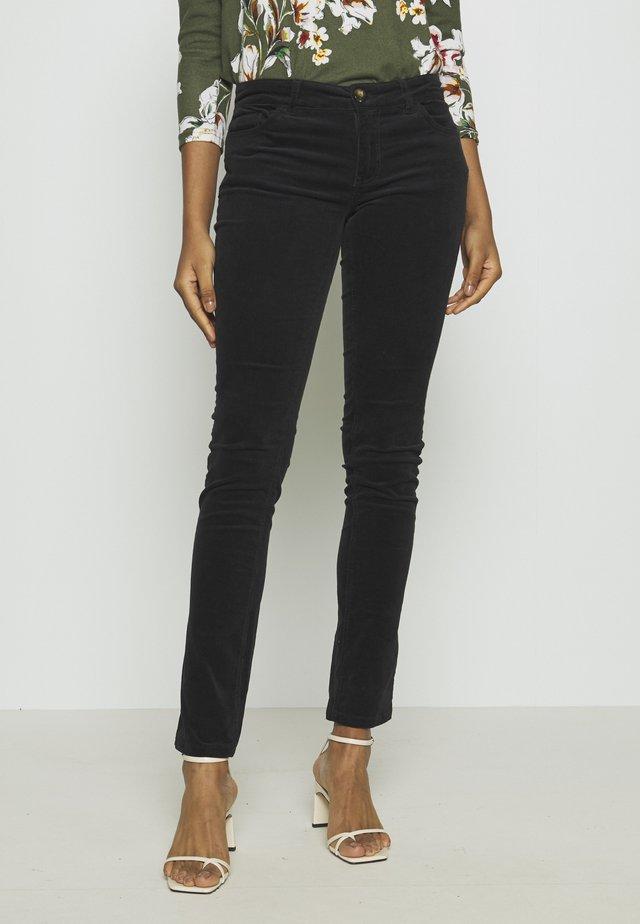 JDYERA - Trousers - black