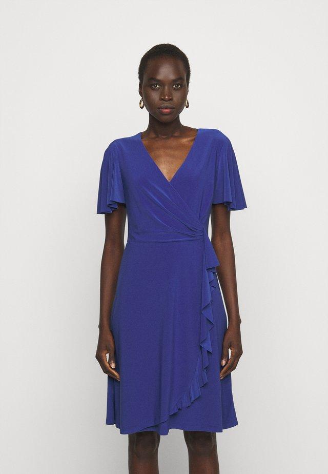 MID WEIGHT DRESS - Žerzejové šaty - sporting royal
