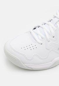 ASICS - GEL-DEDICATE 7 - Scarpe da tennis per tutte le superfici - white/pure silver - 5