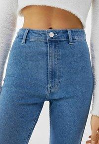 Bershka - SUPER HIGH WAIST - Slim fit jeans - blue denim - 3