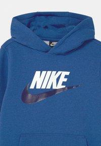 Nike Sportswear - CLUB - Bluza z kapturem - game royal - 2
