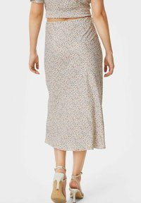 C&A - ARCHIVE - A-line skirt - coral - 2
