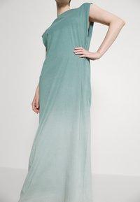 Weekday - LIA PRINTED DRESS - Jersey dress - green - 5