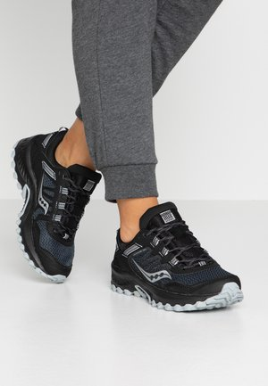 TR13 - Trainers - black