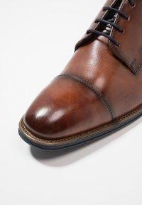 Lloyd - GRIFFIN - Zapatos con cordones - cioccolato/ocean - 5