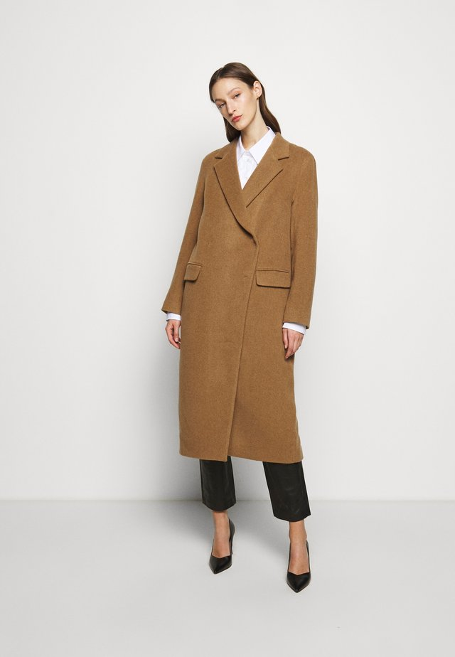 ANISSA LONG - Cappotto classico - camel