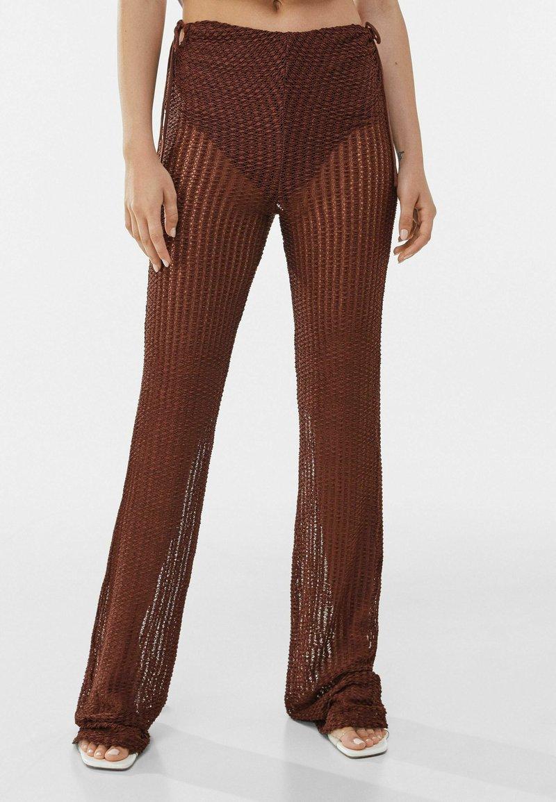 Bershka - Pantaloni - brown