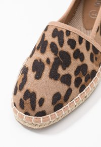 Rubi Shoes by Cotton On - YVONNE - Espadrillot - brown - 2