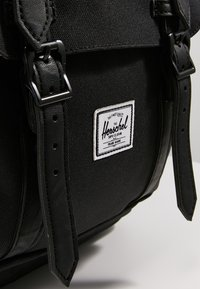 Herschel - LITTLE AMERICA  - Mochila - black - 4