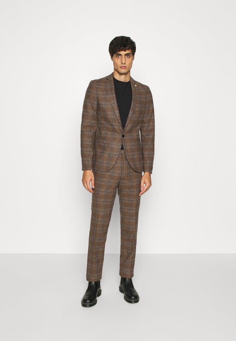 Twisted Tailor - PETTIS SUIT - Suit - brown