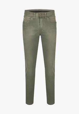MIT HIGH-STRETCH - Slim fit jeans - grün
