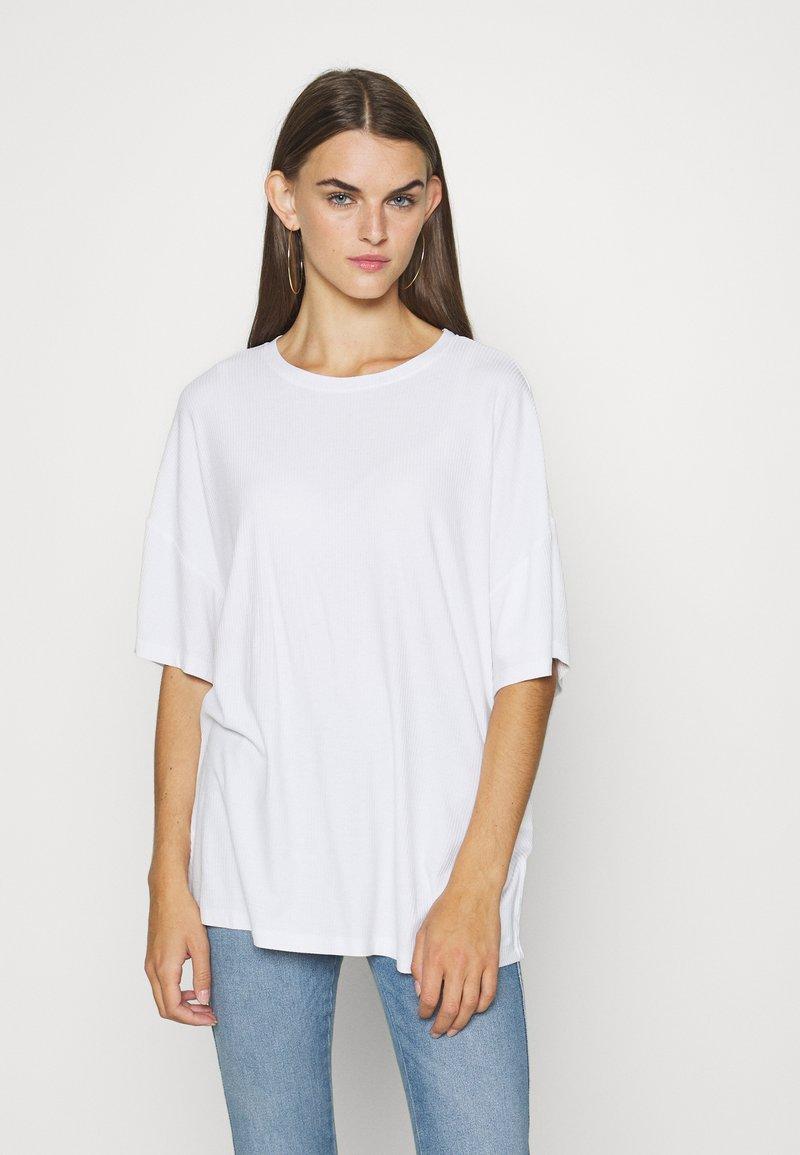 Even&Odd - T-shirts - white