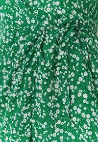 Missguided Plus - PRINTED WRAP MINI DRESS - Day dress - green - 2