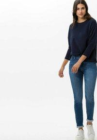 BRAX - STYLE ANA - Jeans Skinny Fit - light blue denim - 1