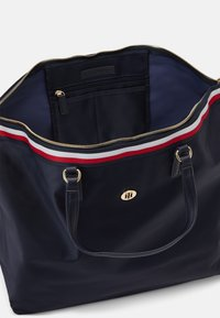 Tommy Hilfiger - POPPY WEEKENDER CORP - Tote bag - blue - 2